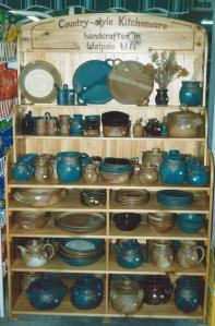 Pottery stand - website